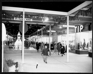 Centre Mall, prior to roof enclosure, December 1958